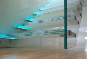 7 Reasons You Need A Glass Staircase In Your Home